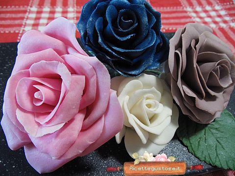 Rose bianche sfumate decorazioni in gum paste decorazioni per dolci dolci decorati - Decorazioni bianche ...