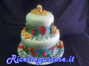 Torta decorata tema mare con pesci e alghe in pasta di for Decorazioni torte tema mare