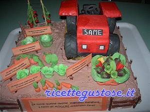 Torta orto decorata con trattore e ortaggi torte decorate for Decorazioni con verdure e ortaggi