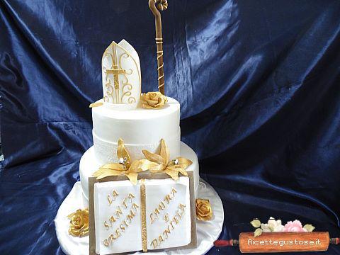 Torta Decorata Cresima Con Cappello Vescovo E Libro