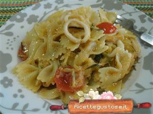 Farfalle zucchine e calamari ricetta farfalle con for Cucinare zucchine trombetta