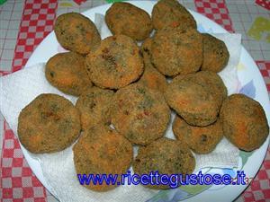 Ricetta polpette di ortica e carne macinata ricette for Cucinare ortica