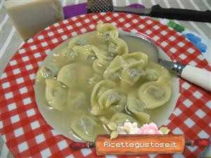 cappelletti in brodo durelli di pollo e patate