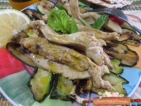 Pollo freddo   Ricetta semplice per preparare il pollo freddo con zucchine grigliate !